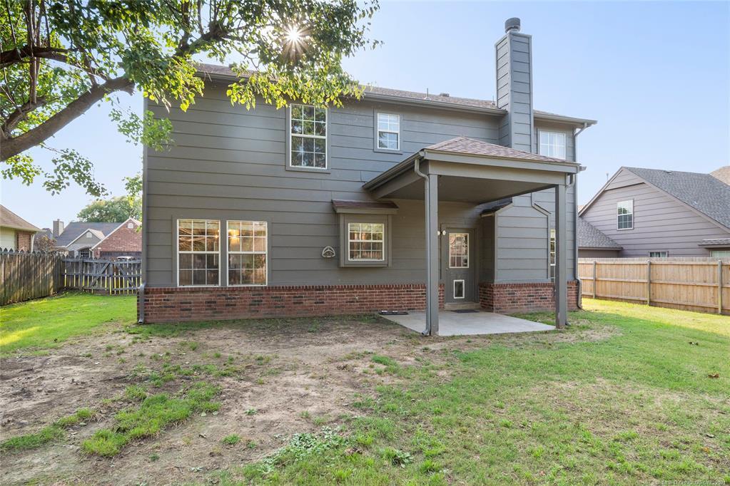 Off Market   321 N Hemlock Avenue Broken Arrow, Oklahoma 74012 42