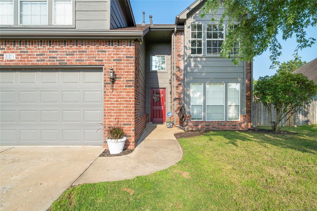 Off Market   321 N Hemlock Avenue Broken Arrow, Oklahoma 74012 44