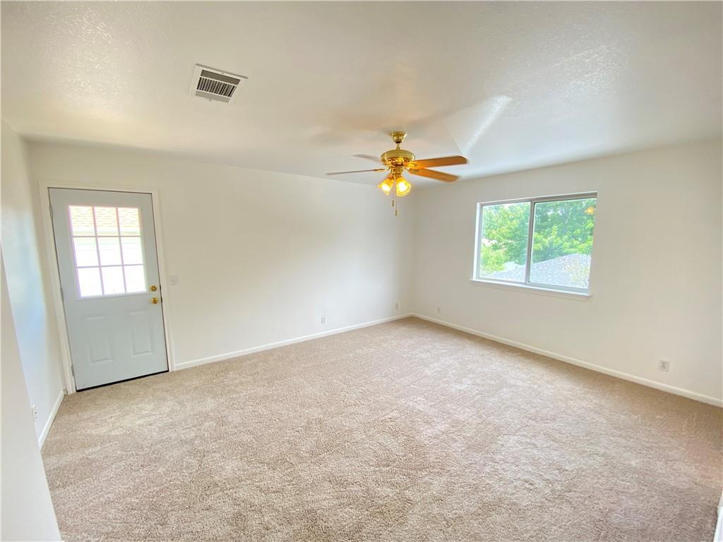 Closed   333 Bradfield Drive Buda, TX 78610 13