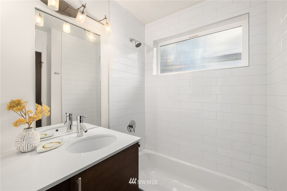 Sold Property | 1612 N 46th Street Seattle, WA 98103 19