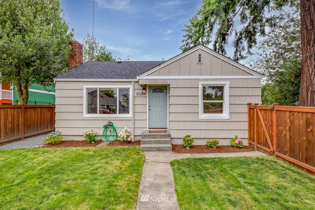 Sold Property   808 NE 117th Street Seattle, WA 98125 0