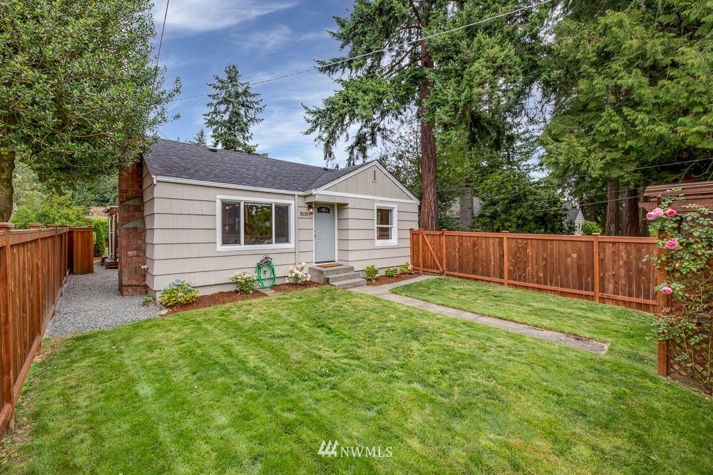 Sold Property   808 NE 117th Street Seattle, WA 98125 5