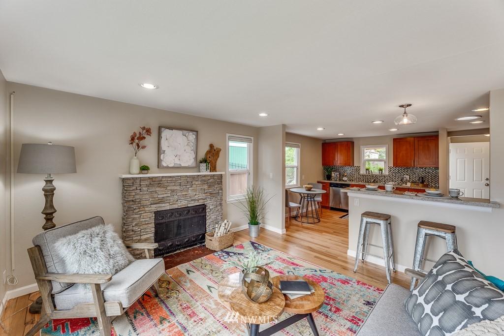 Sold Property   808 NE 117th Street Seattle, WA 98125 11