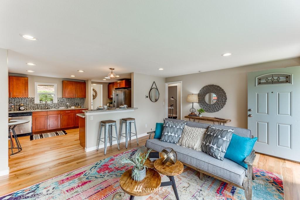 Sold Property   808 NE 117th Street Seattle, WA 98125 12