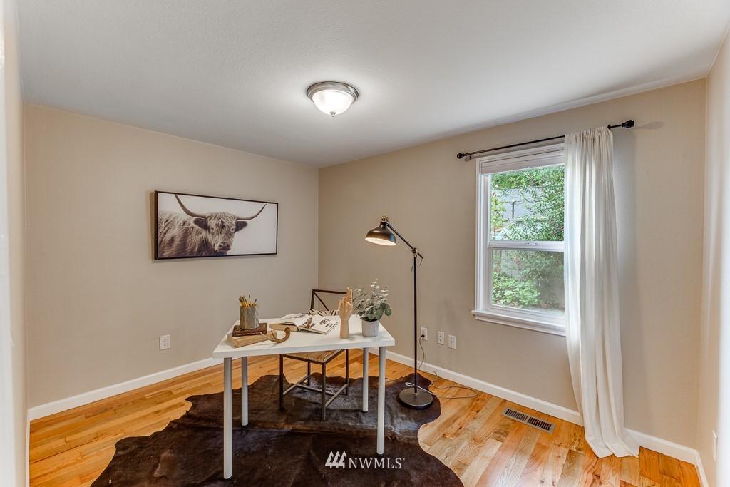 Sold Property   808 NE 117th Street Seattle, WA 98125 16