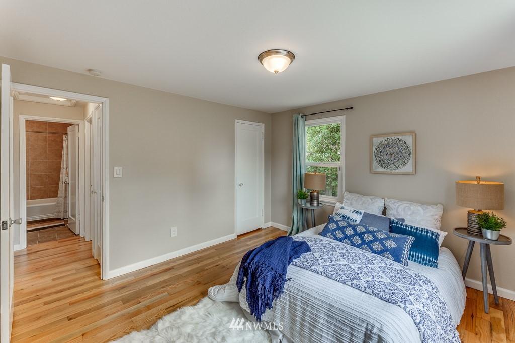 Sold Property   808 NE 117th Street Seattle, WA 98125 18