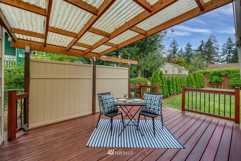 Sold Property   808 NE 117th Street Seattle, WA 98125 23