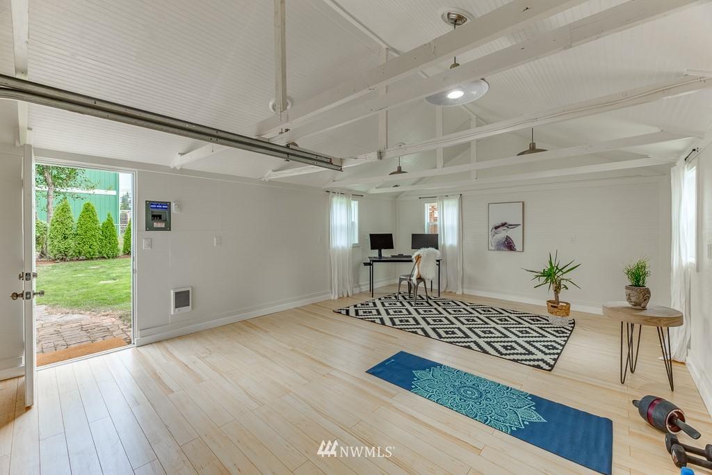 Sold Property   808 NE 117th Street Seattle, WA 98125 26