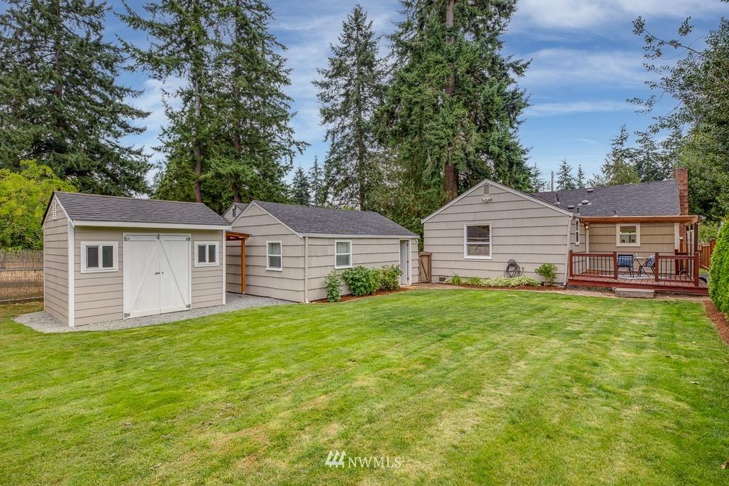 Sold Property   808 NE 117th Street Seattle, WA 98125 28