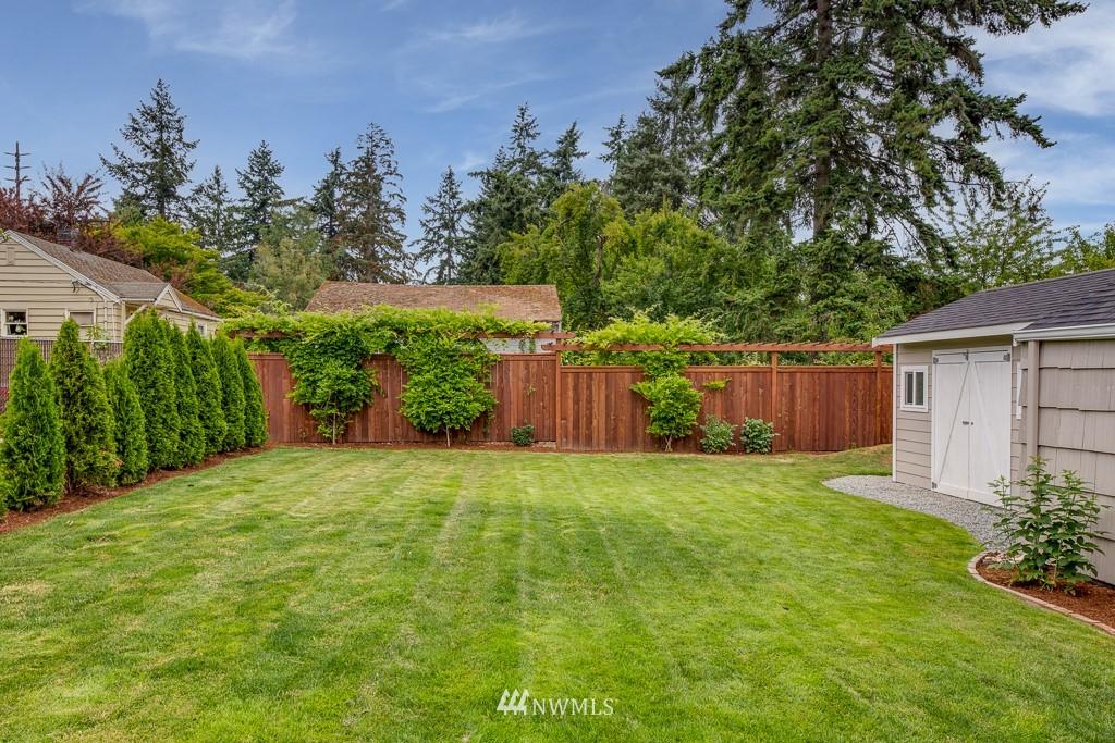 Sold Property   808 NE 117th Street Seattle, WA 98125 29