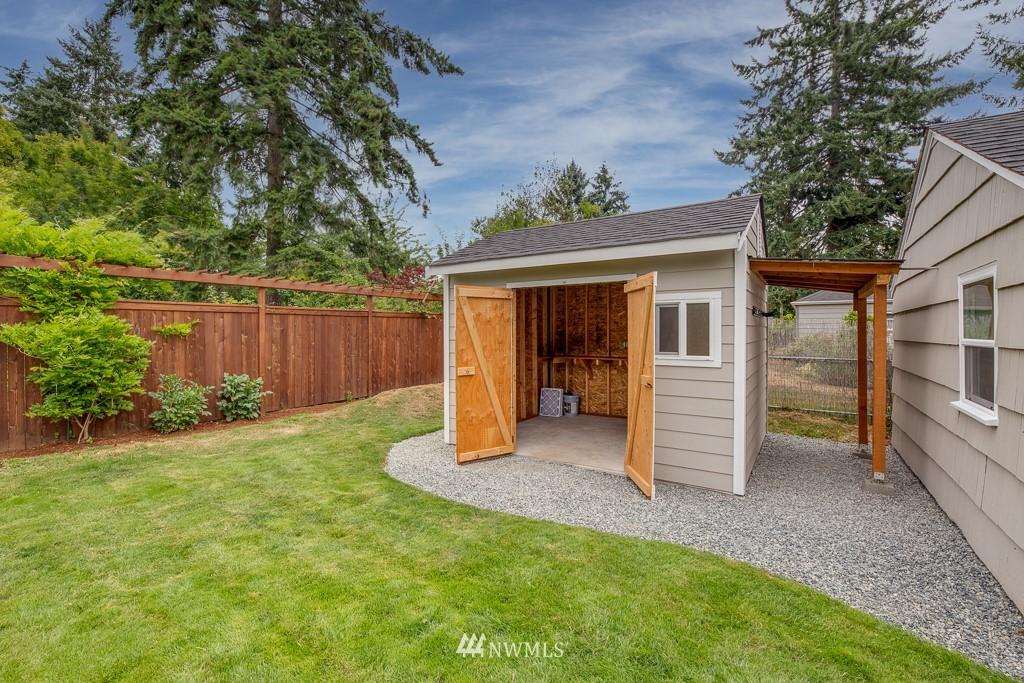 Sold Property   808 NE 117th Street Seattle, WA 98125 30