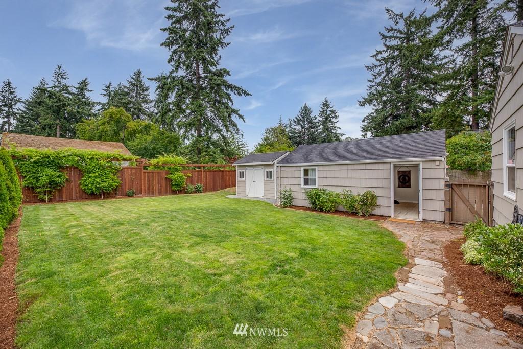 Sold Property   808 NE 117th Street Seattle, WA 98125 31