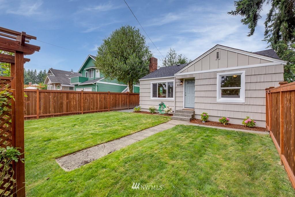 Sold Property   808 NE 117th Street Seattle, WA 98125 32