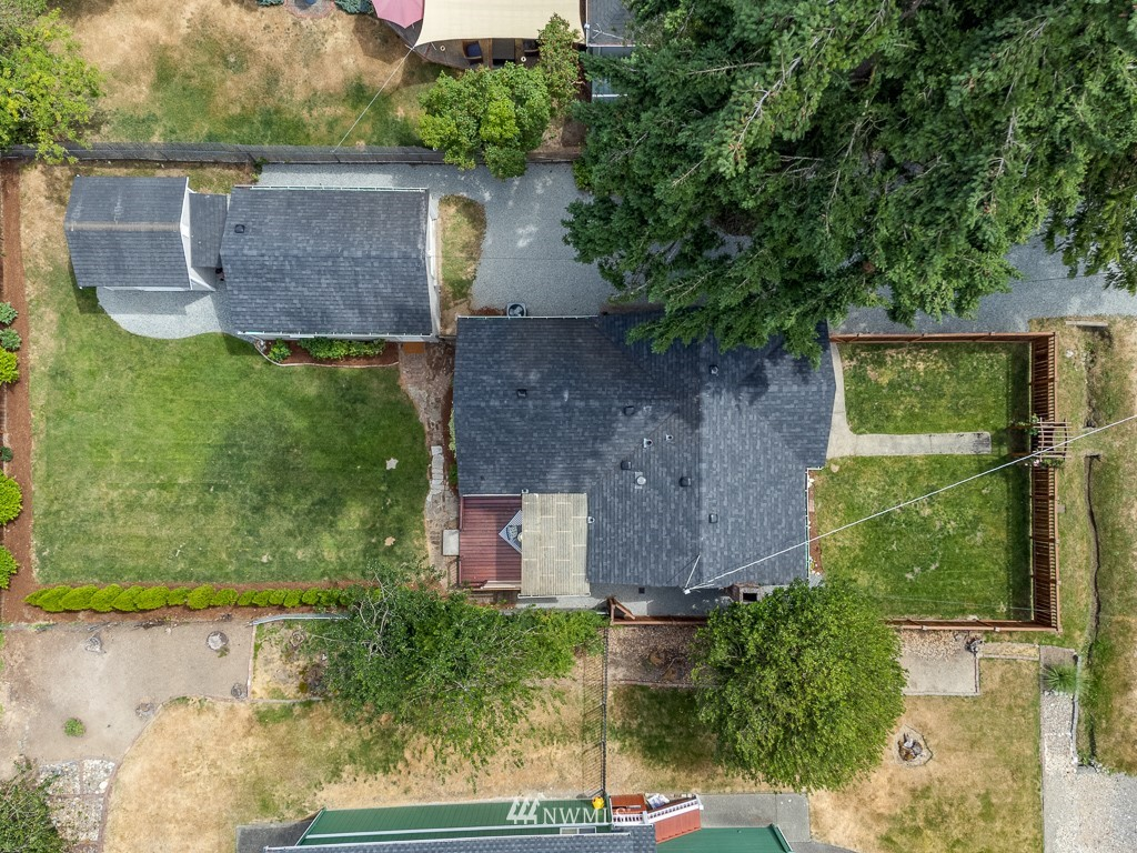 Sold Property   808 NE 117th Street Seattle, WA 98125 34