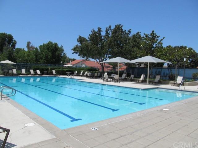 Pending   8 Bellezza Irvine, CA 92620 28