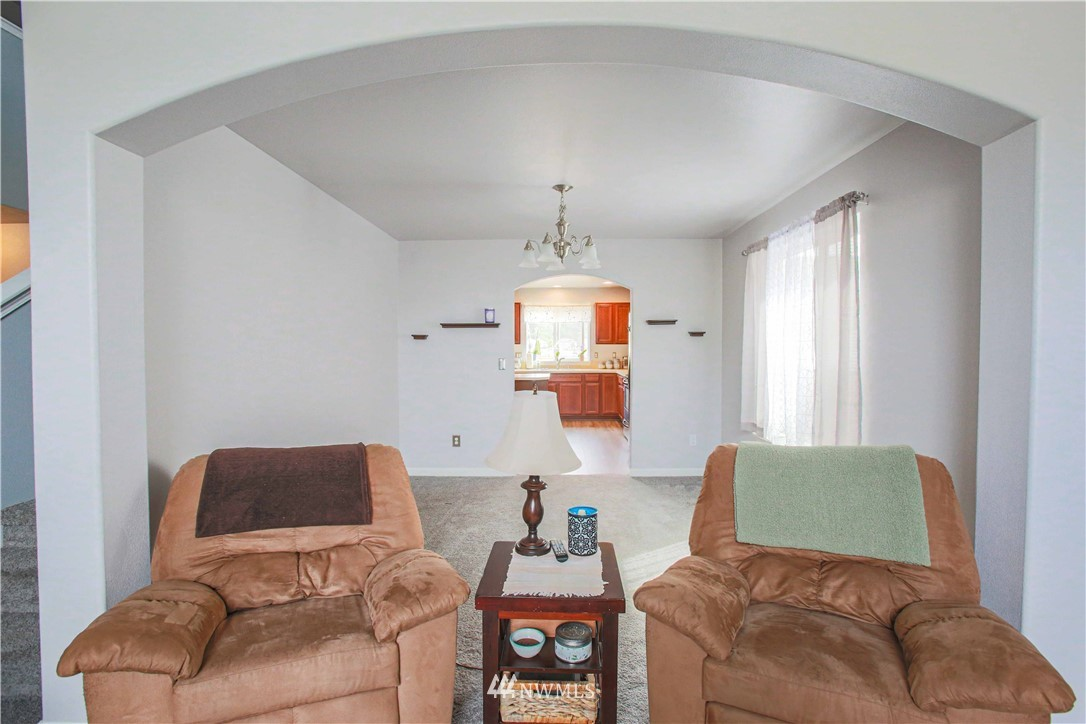 Sold Property | 1410 Riddell Avenue NE Orting, WA 98360 4
