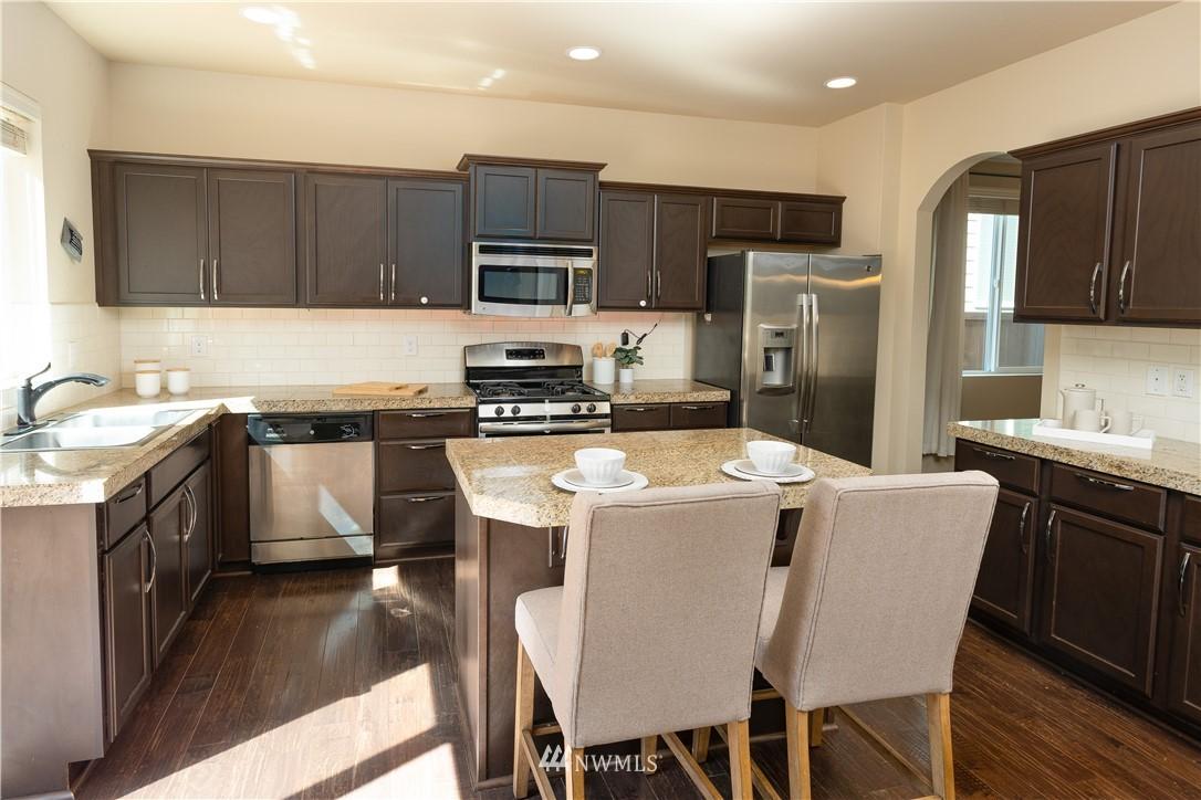 Sold Property   11415 5th Avenue SW Seattle, WA 98146 5