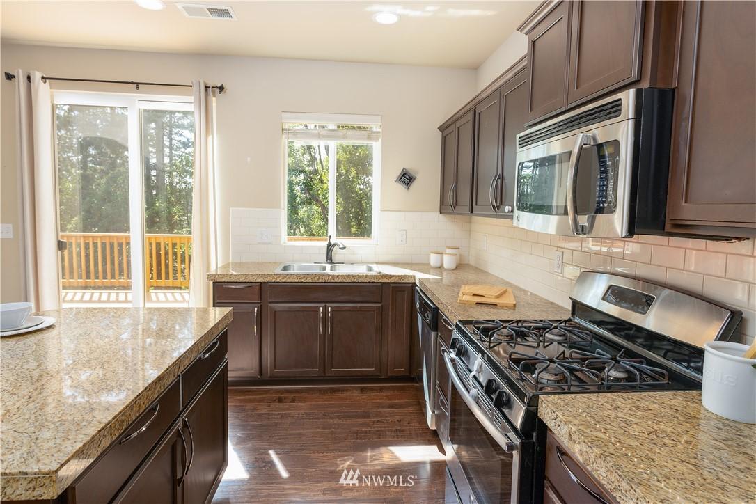 Sold Property   11415 5th Avenue SW Seattle, WA 98146 6