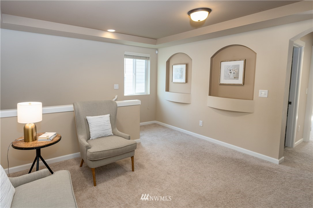 Sold Property   11415 5th Avenue SW Seattle, WA 98146 9