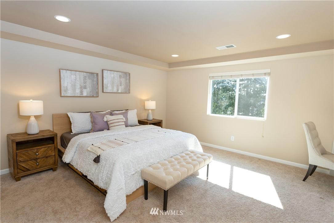 Sold Property   11415 5th Avenue SW Seattle, WA 98146 11