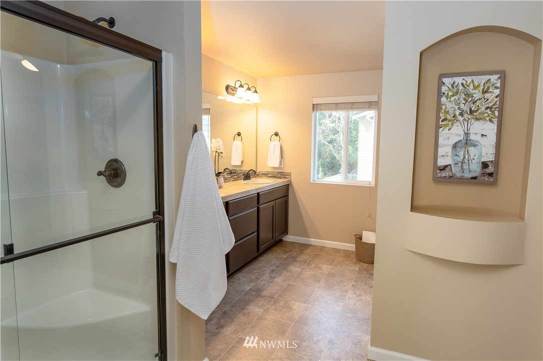Sold Property   11415 5th Avenue SW Seattle, WA 98146 12
