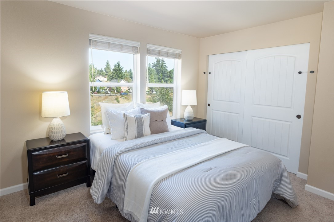 Sold Property   11415 5th Avenue SW Seattle, WA 98146 15