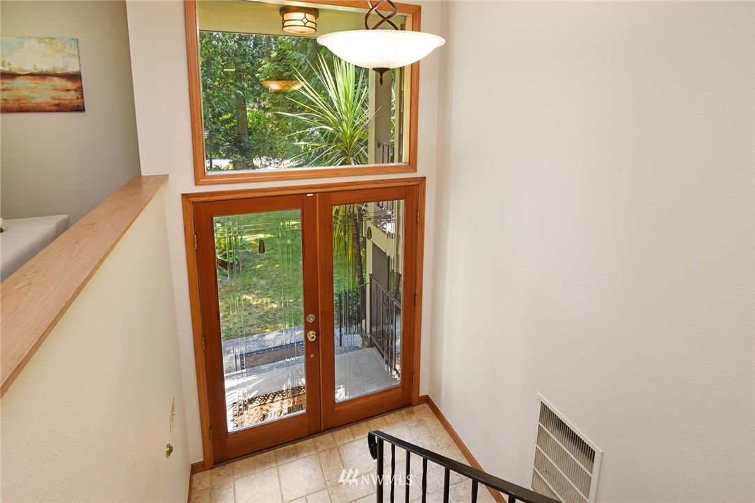 Sold Property | 8184 NE Blakely Heights Drive Bainbridge Island, WA 98110 6
