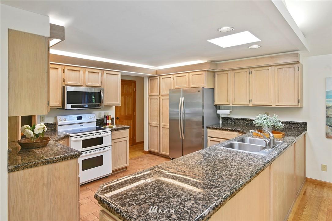 Sold Property | 8184 NE Blakely Heights Drive Bainbridge Island, WA 98110 10