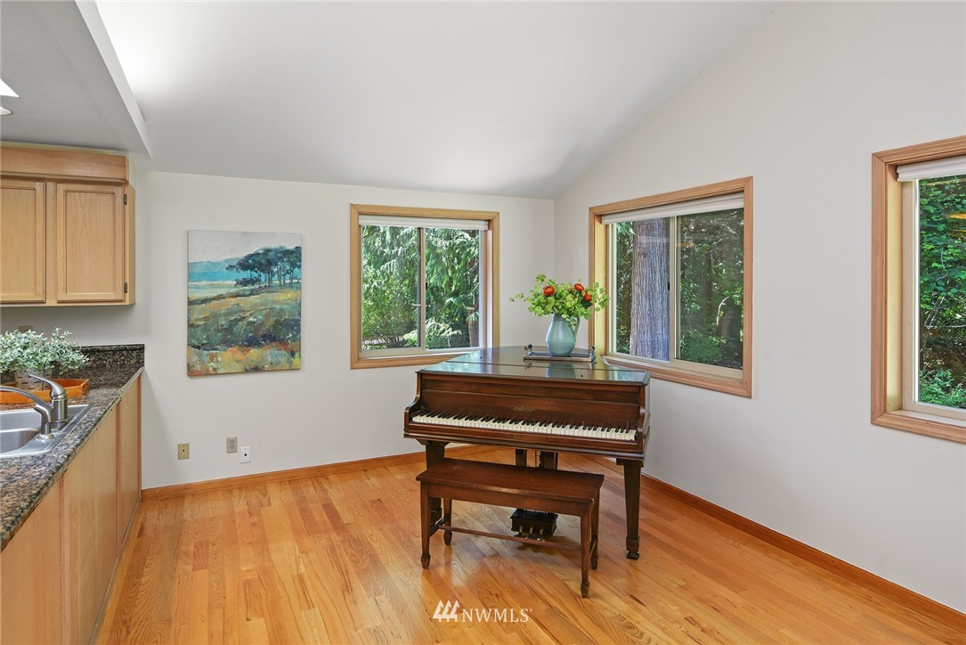 Sold Property | 8184 NE Blakely Heights Drive Bainbridge Island, WA 98110 11