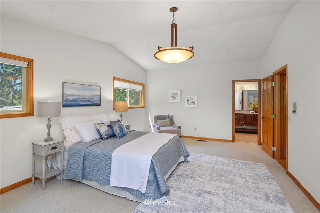 Sold Property | 8184 NE Blakely Heights Drive Bainbridge Island, WA 98110 14