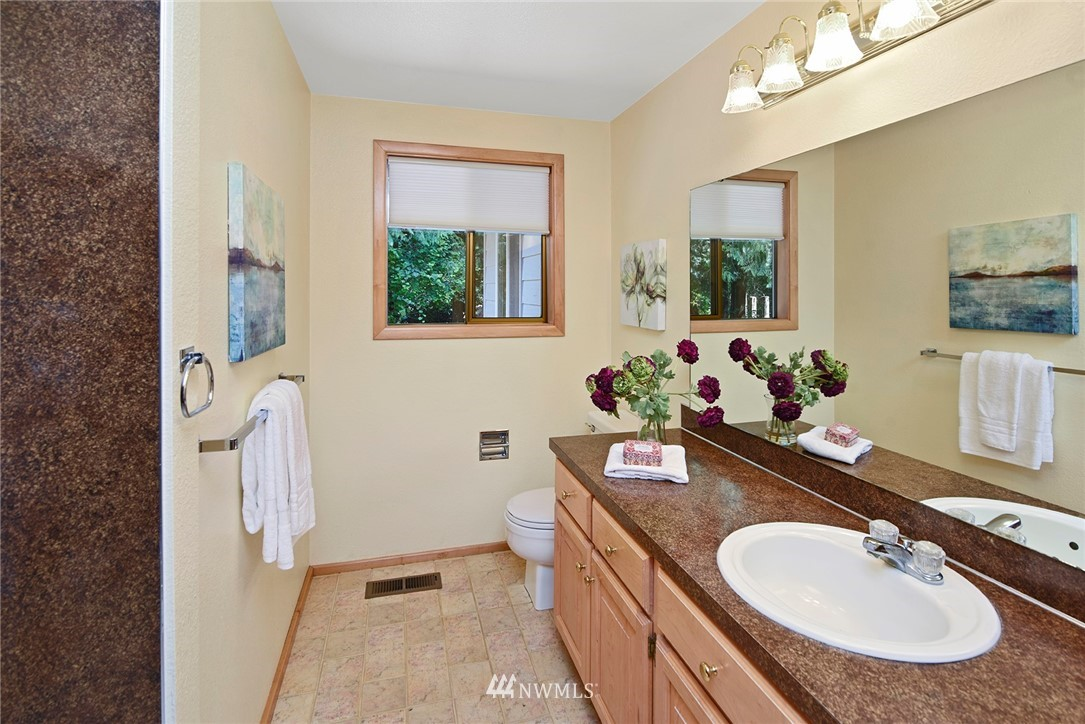 Sold Property | 8184 NE Blakely Heights Drive Bainbridge Island, WA 98110 19