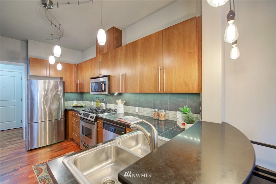 Sold Property | 124 Bellevue Avenue E #700 Seattle, WA 98102 6