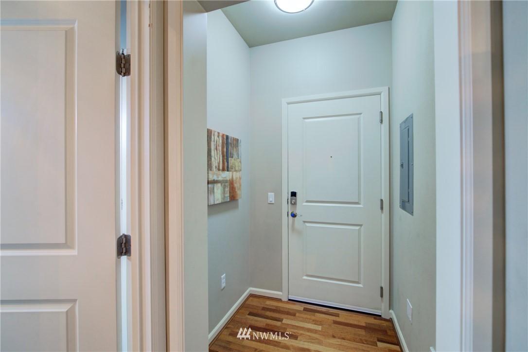 Sold Property | 124 Bellevue Avenue E #700 Seattle, WA 98102 14