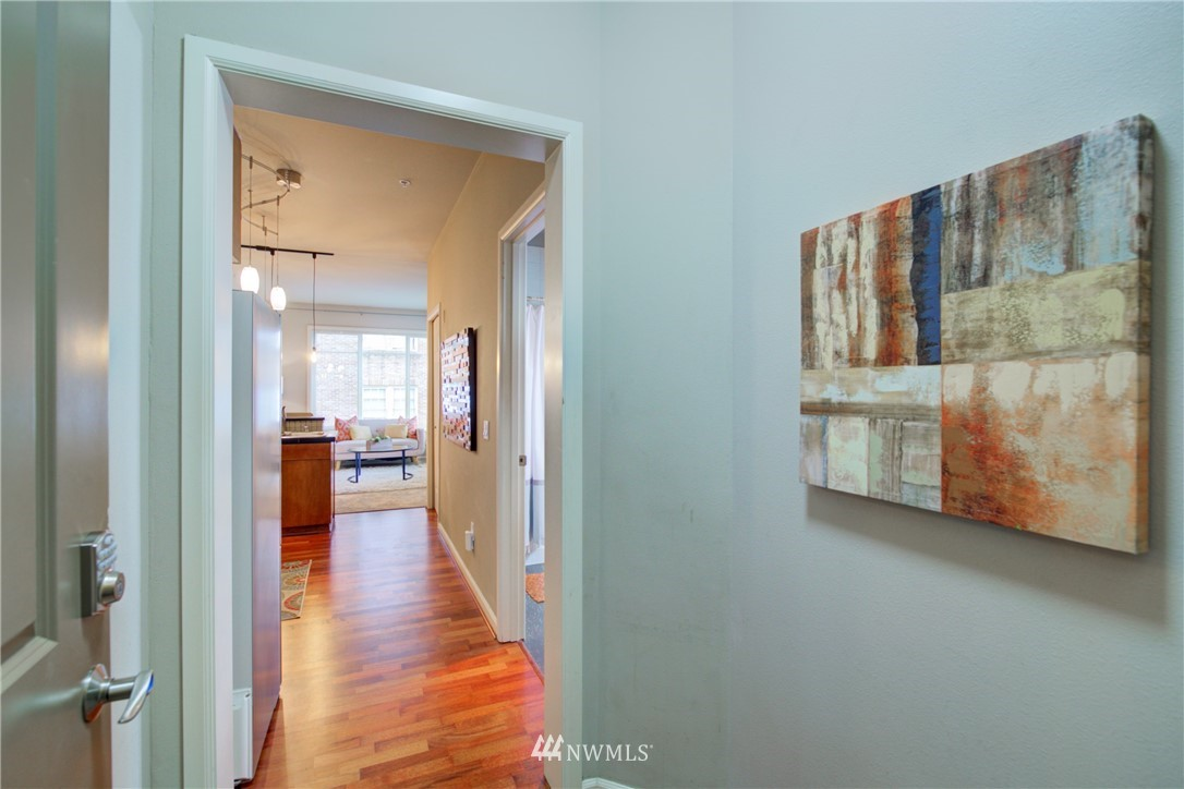 Sold Property | 124 Bellevue Avenue E #700 Seattle, WA 98102 15