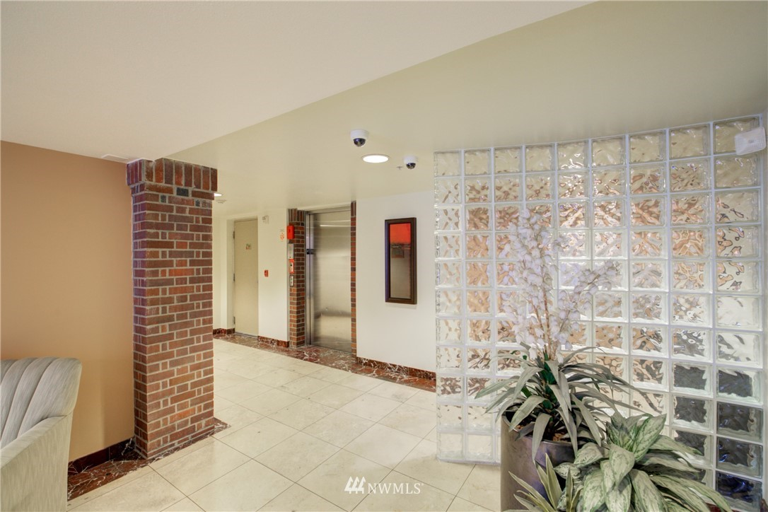 Sold Property | 124 Bellevue Avenue E #700 Seattle, WA 98102 16