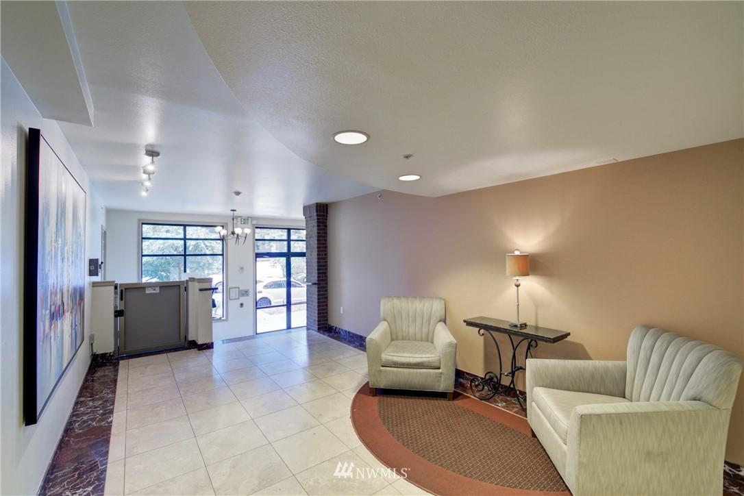 Sold Property | 124 Bellevue Avenue E #700 Seattle, WA 98102 17