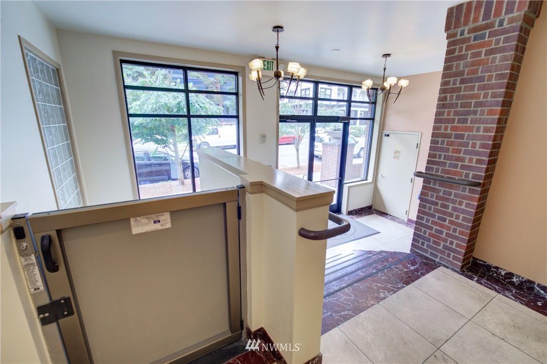 Sold Property | 124 Bellevue Avenue E #700 Seattle, WA 98102 18