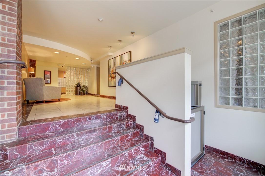Sold Property | 124 Bellevue Avenue E #700 Seattle, WA 98102 19