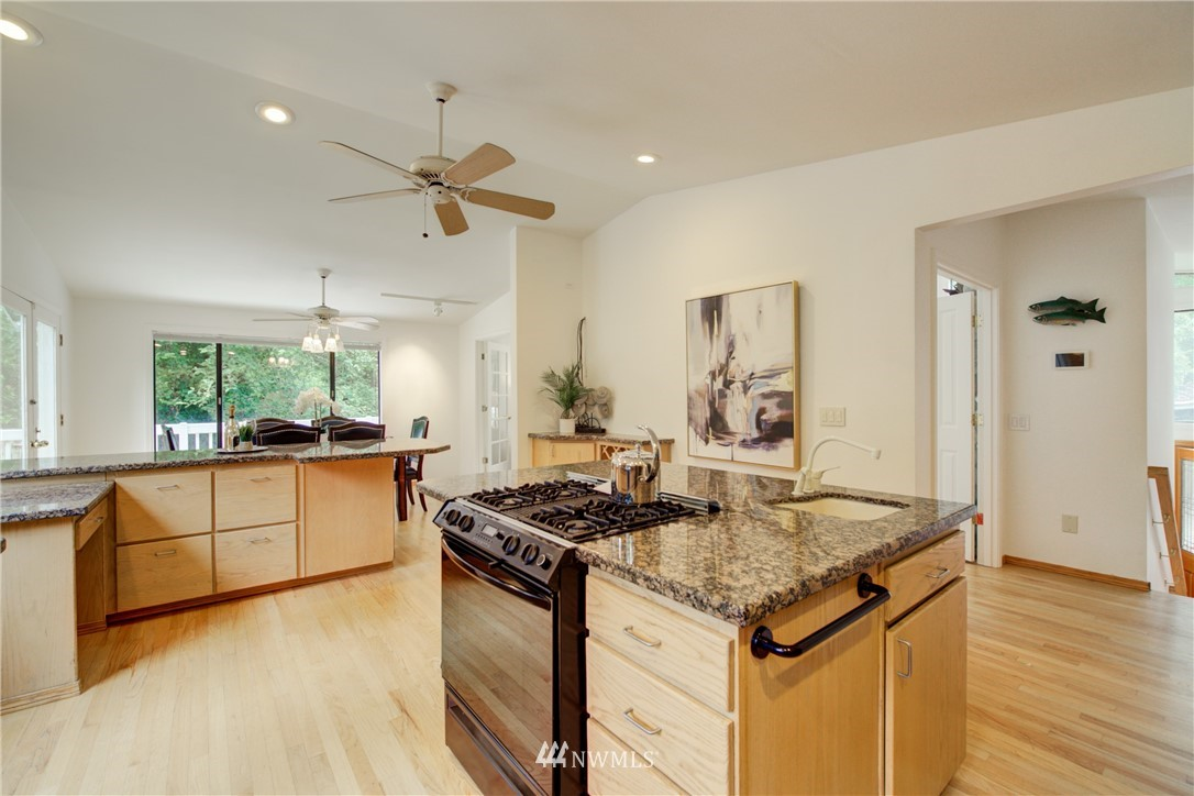 Sold Property | 11207 167 Court NE Redmond, WA 98052 13