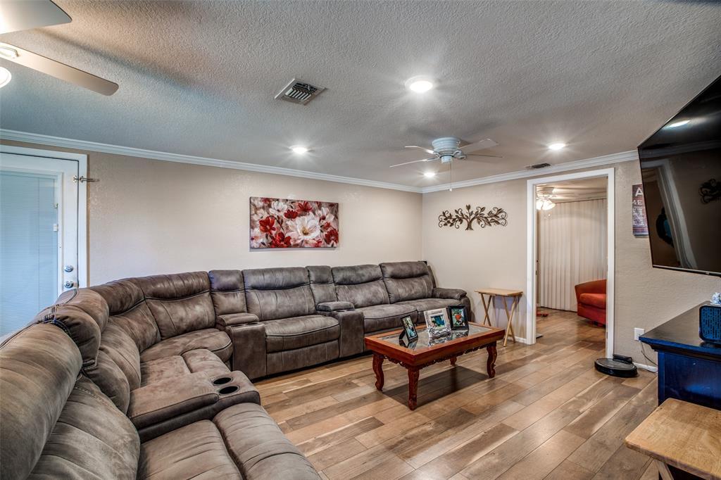 Workshop or Large Garage in Galveston by the Beach | 4504 Avenue R Galveston, Texas 77551 4