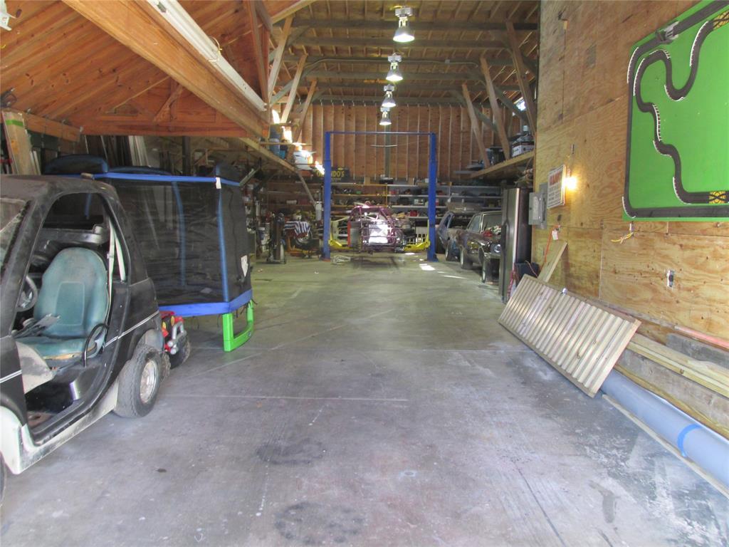 Workshop or Large Garage in Galveston by the Beach | 4504 Avenue R Galveston, Texas 77551 37