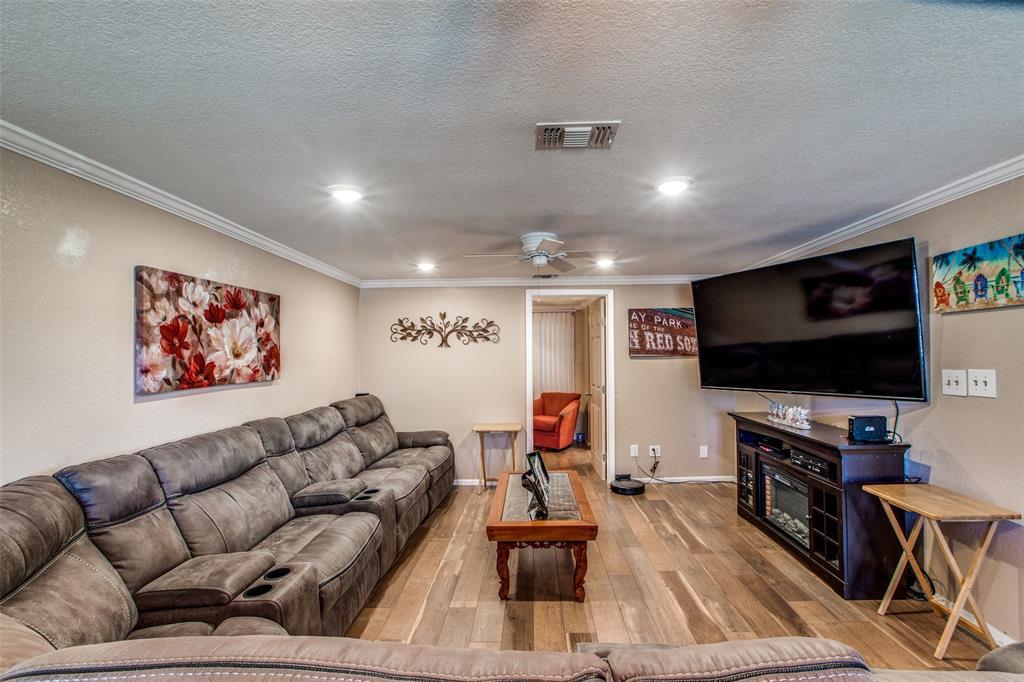 Workshop or Large Garage in Galveston by the Beach | 4504 Avenue R Galveston, Texas 77551 5
