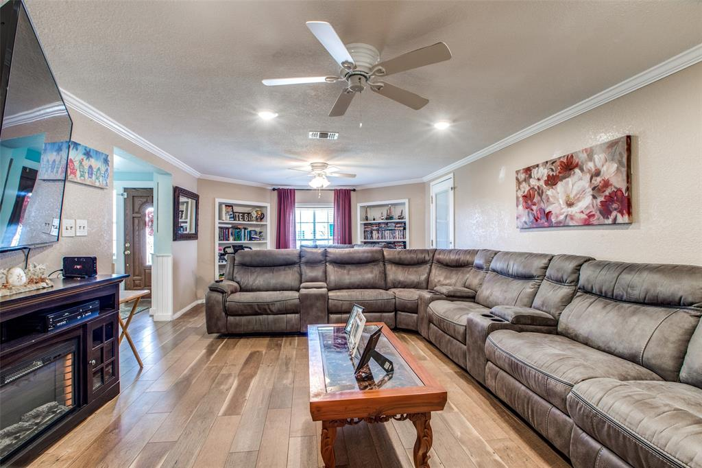Workshop or Large Garage in Galveston by the Beach | 4504 Avenue R Galveston, Texas 77551 10