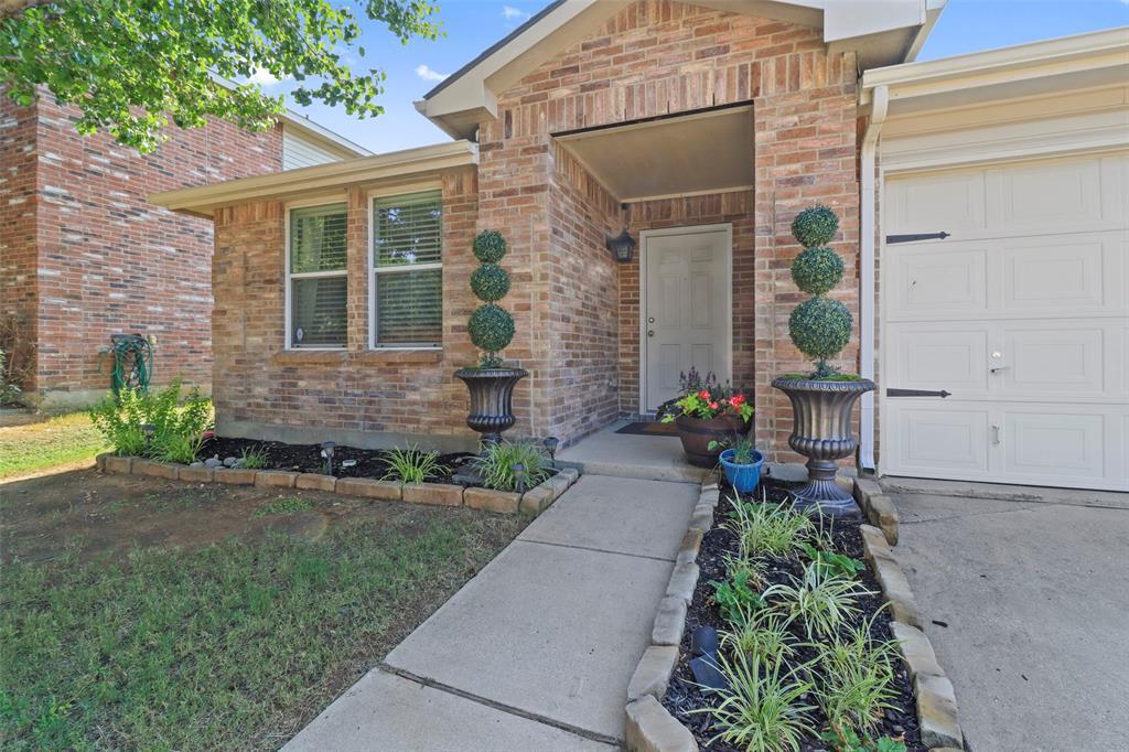 Pending | 16600 Jasmine Springs Drive Fort Worth, Texas 76247 0