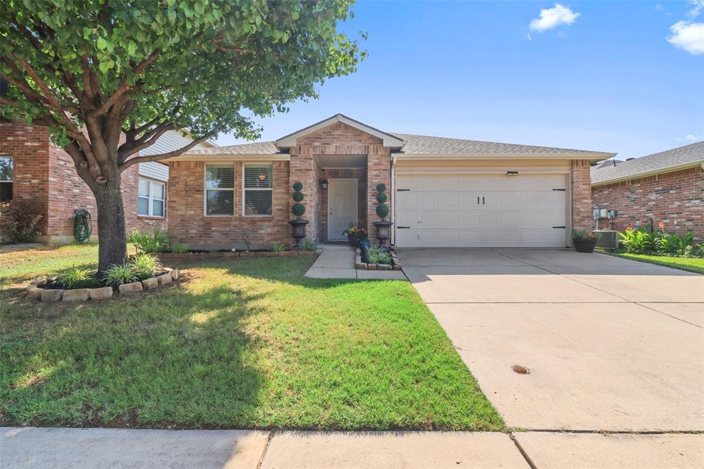 Pending | 16600 Jasmine Springs Drive Fort Worth, Texas 76247 1