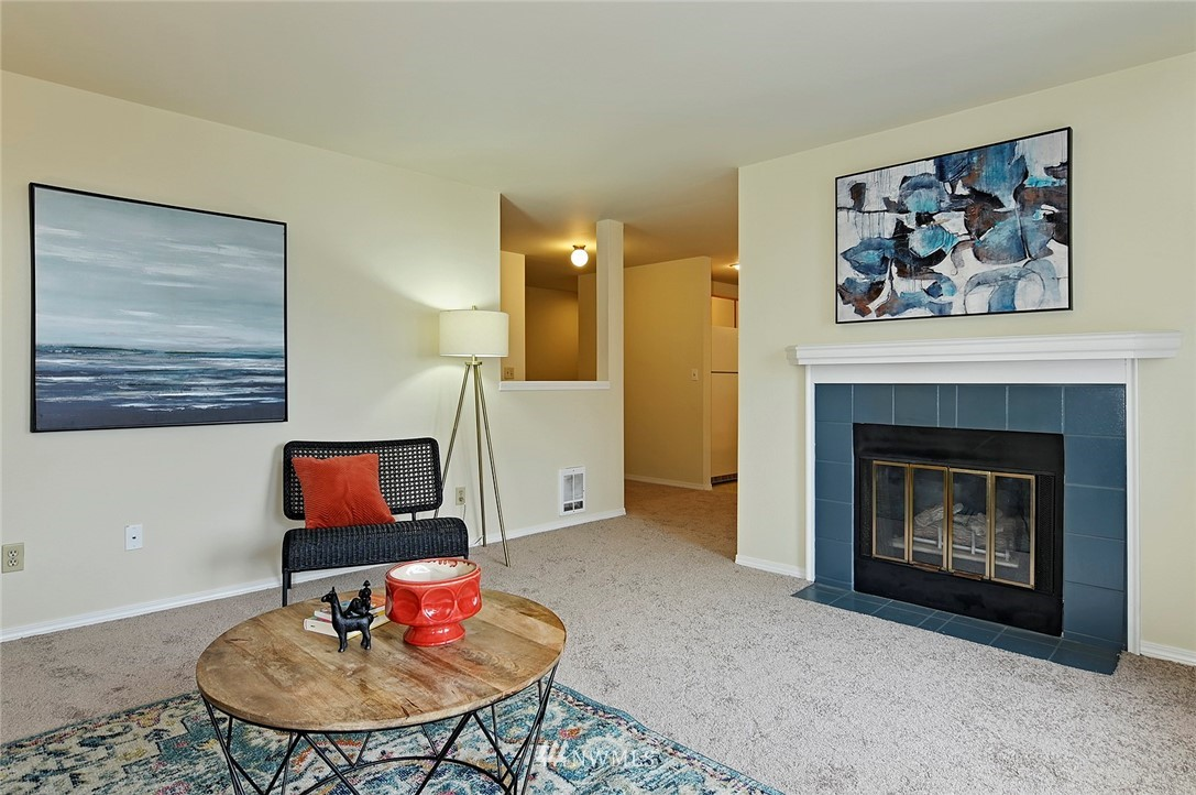 Sold Property | 2152 N 112th Street #302 Seattle, WA 98133 3