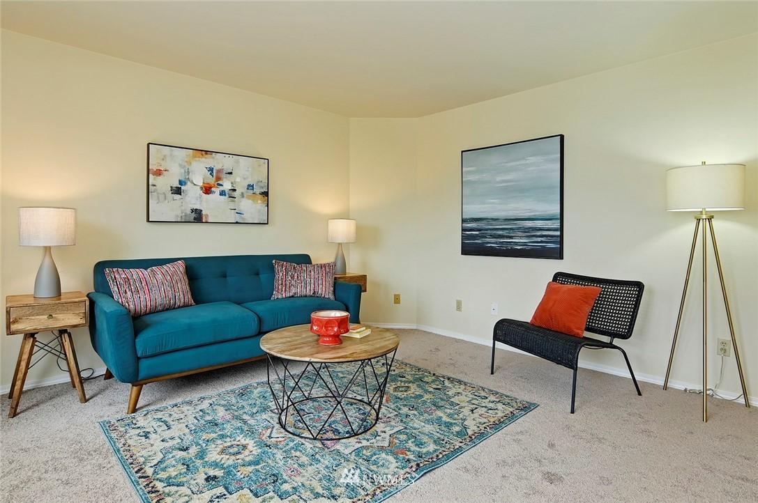 Sold Property | 2152 N 112th Street #302 Seattle, WA 98133 4