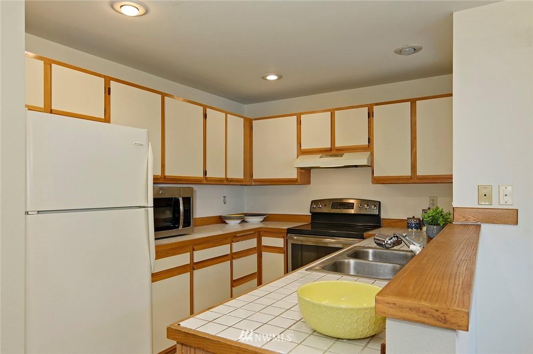 Sold Property | 2152 N 112th Street #302 Seattle, WA 98133 11