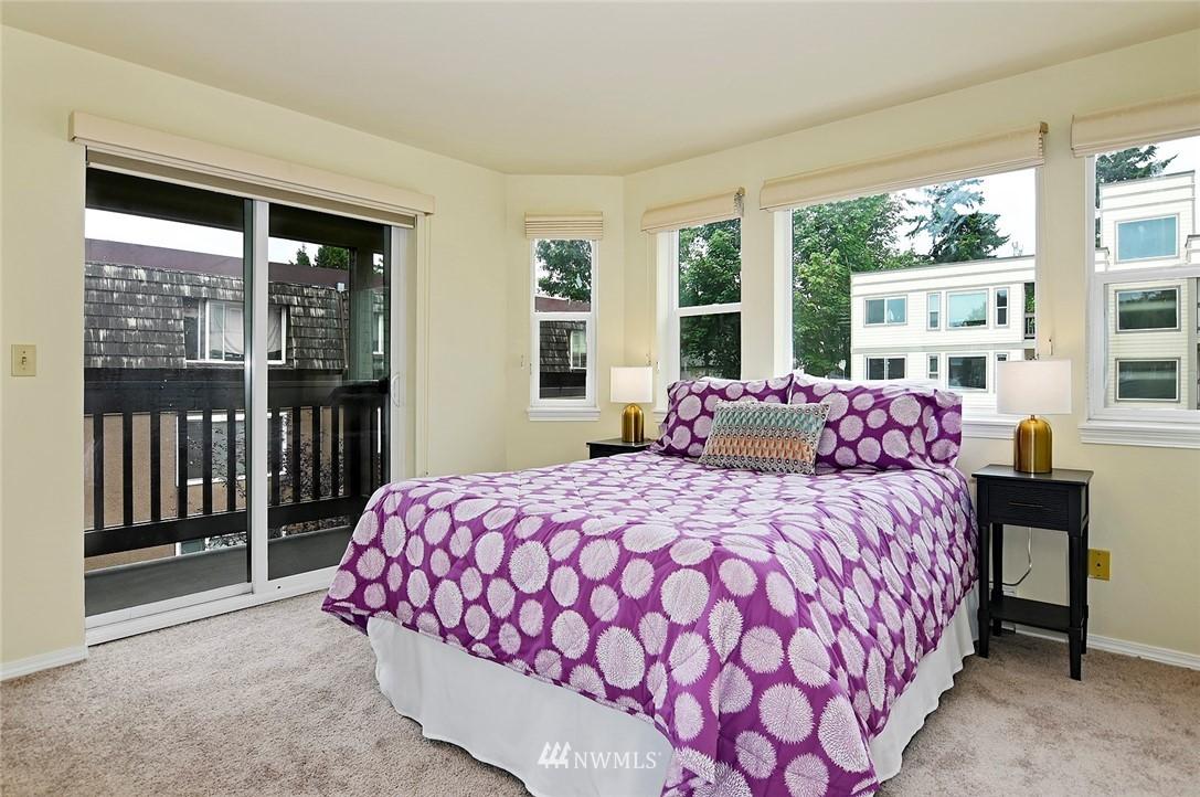 Sold Property | 2152 N 112th Street #302 Seattle, WA 98133 12