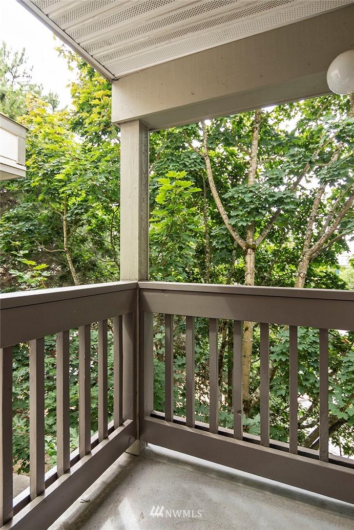 Sold Property | 2152 N 112th Street #302 Seattle, WA 98133 13